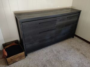 Dresser and nightstand for Sale in Waltham, MA