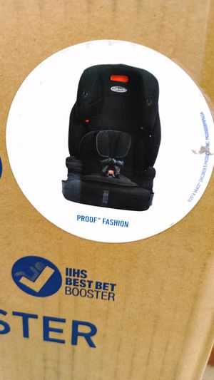 Graco harnessed booster seat $79.99 new in the box buy online gift delivery for Sale in Phoenix, AZ