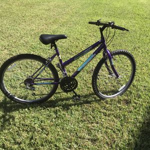 2 26inch wheel roadmaster New tire New Break Clean chain no rust 18 gear everything functioning good no issue for Sale in Tampa, FL