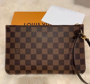 Louis Vuitton Neverfull Wristlet Pouch for Sale in Addison, TX