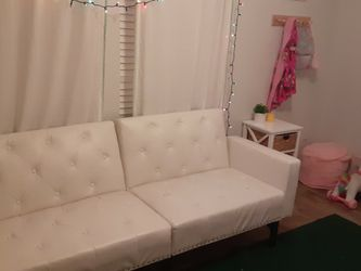 White Leather Futon/Daybed for Sale in Buda,  TX