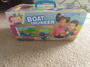 Thames and kosnos boat engineer new(3-6 years) for Sale in Fort Worth, TX