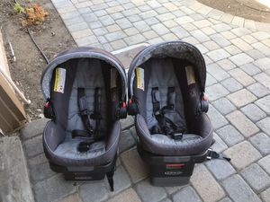 Graco infant car seats in great condition - 2 available for Sale in San Diego, CA