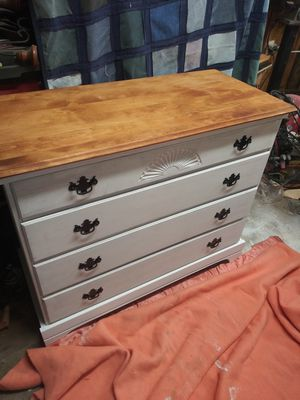 Nice white dresser for Sale in Montandon, PA