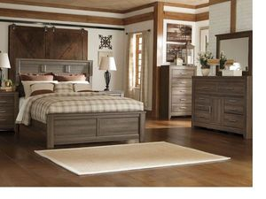 Juararo - Dark Brown - 7 Pc. - Dresser, Mirror, Queen Panel Bed & 2 Nightstands for Sale in Naples, FL