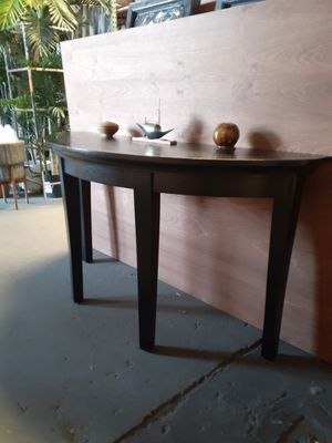 Half moon console table for Sale in Long Beach, CA