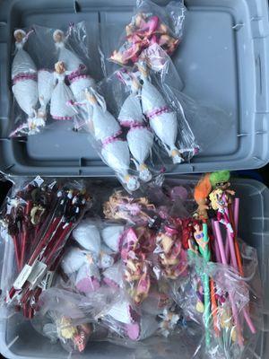 Set mini barbies lapices $80 Por todo es lo menos no aparto for Sale in Stanton, CA