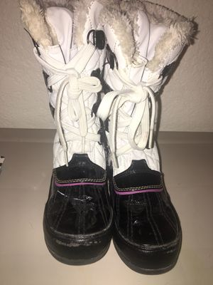 Girl snow boots for Sale in Aurora, CO