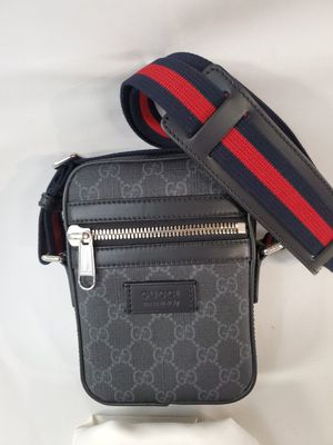 Gucci small messenger bag bag 100% authentic designer unisex men woman gucci made in Italy with dust bag for Sale in Los Angeles, CA