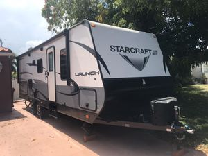 2018 Starcraft 24ODK travel trailer, like new condition. for Sale in Hialeah, FL