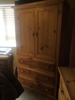 Oak Queen Bedroom Set (4 Pieces!) for Sale in Fresno, CA