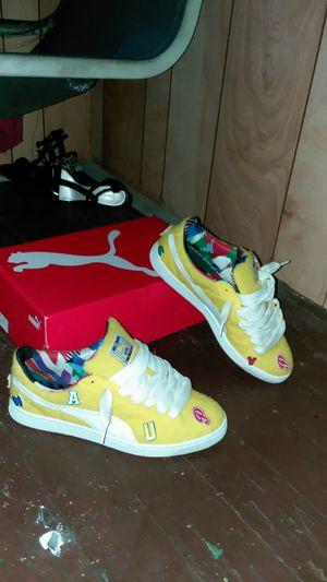 Size 11 Yello Velcro puma with original box for Sale in Monroe, MI