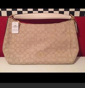 NWT-Authentic Coach Hobo Bag for Sale in Arnold, MO