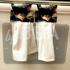 Two (2) kitchen towels - roosters with eggshell for Sale in Tampa, FL