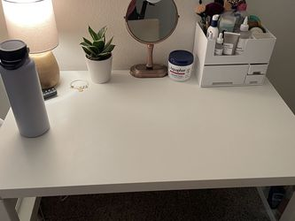 Desk And Chair! for Sale in Glendora,  CA