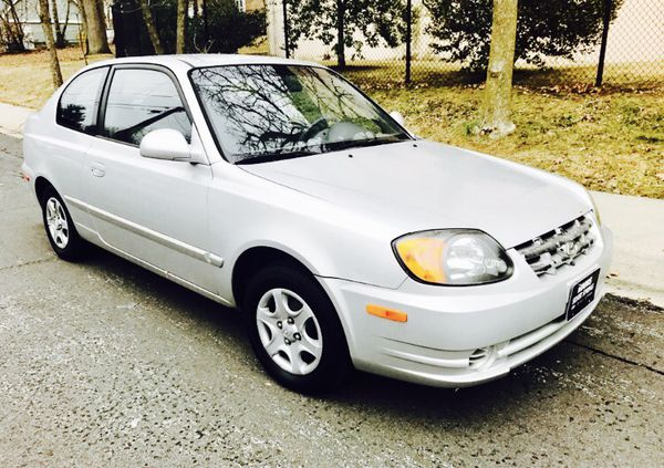2003 Hyundai Accent - Great on Gas / LOW MILES
