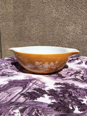 Large Pyrex mixing bowl for Sale in Hesperia, CA