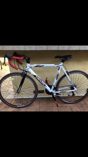 GMC DENALI road bike for Sale in Escondido, CA