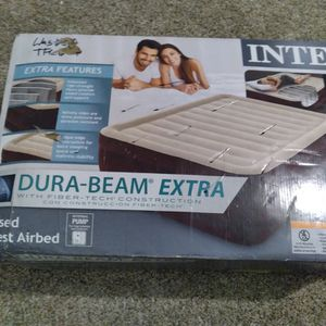 Deluxe Air Mattress (Still In The Box for Sale in Spring, TX
