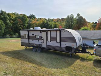 Grey wolf 22 foot toy hauler for Sale in Tennerton,  WV