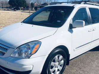 2008 Hyundai Entourage for Sale in Houston,  TX