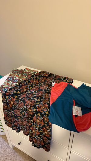 Lularoe size small set of clothing NWT for Sale in Puyallup, WA