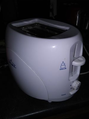 White Rival 2 Slice Toaster ($5) for Sale in BRECKNRDG HLS, MO