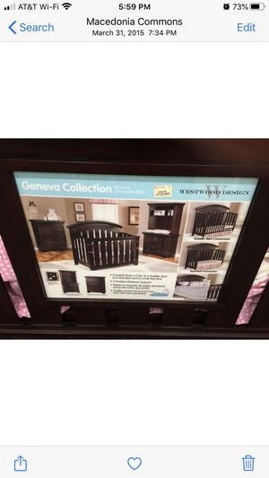 Baby Crib w/ Conversion Kits 4 Toddler & Full Bed, Mattress & Dresser for Sale in Aurora, OH