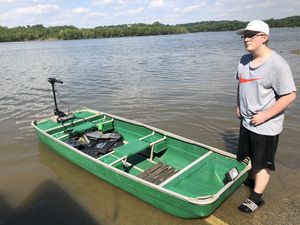 2 Man Fishing Boat (Excellent Condition) for Sale in Fenton, MO