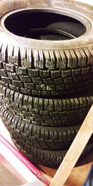 Hankook studded tires - time to get ready for winter now! 205/70R14 M&S rated for Sale in Kent, WA