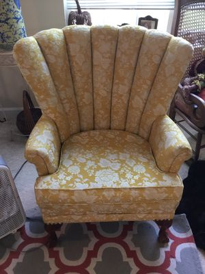 Vintage 1950s Carved Mahogany Channel Back Wing Chair Queen Anne Yellow for Sale in Berlin, MD