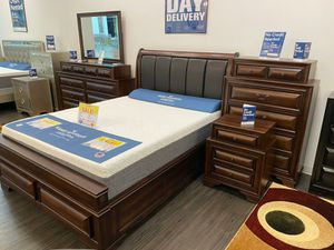 Beautiful Gloria Queen Bedroom Set $999. King $1099. Set includes bed frame, dresser, mirror, nightstand and chest. No credit check financing for Sale in Tampa, FL