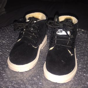 Toddler boy/girl winter Boots size 6.5 for Sale in Wheaton, MD