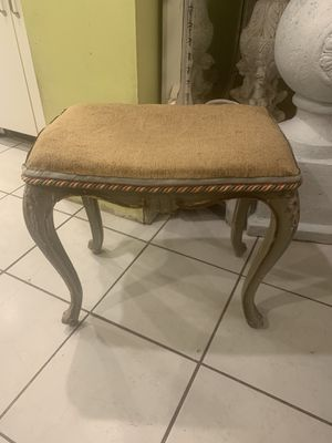 Antique vanity bench for Sale in Babylon, NY