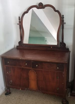 Vintage Antique Dresser with Matching Mirror and Dovetail Drawers for Sale in Phoenix, AZ