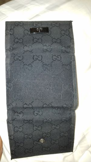 Guccie wallet for Sale in Tampa, FL