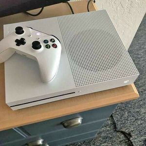 Xbox one s. 1tb. Delivery for Sale in Cleveland, OH