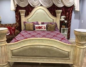 KING BED SET WITH NEW MATTRESS SET for Sale in Pomona, CA