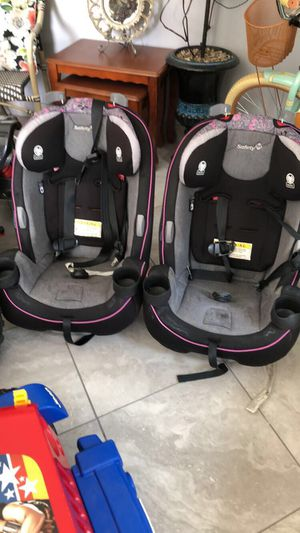 Two toddler Safety 1st car seats for Sale in Dearborn Heights, MI