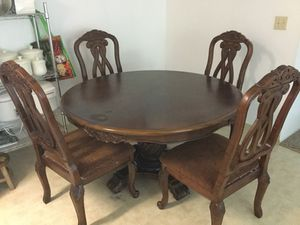 Table with chairs for Sale in Marysville, CA