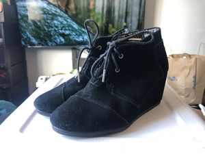 BOOTIES (TOMS) for Sale in Richmond, CA
