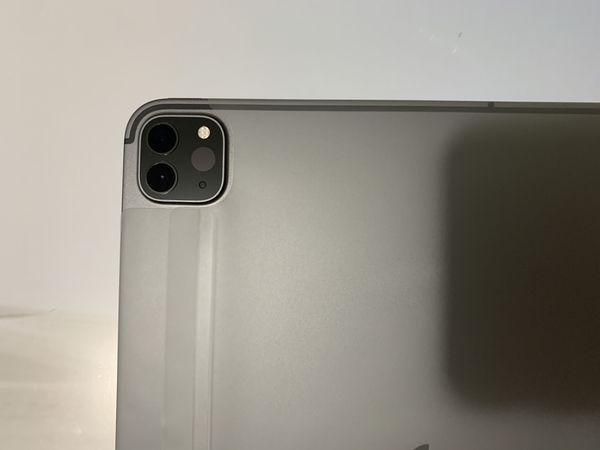 ➤ NEW  iPad Pro (11-inch) / 2nd Gen. Model (2020) / 256GB / Space Gray / Wi-Fi + Cellular / Factory Unlocked