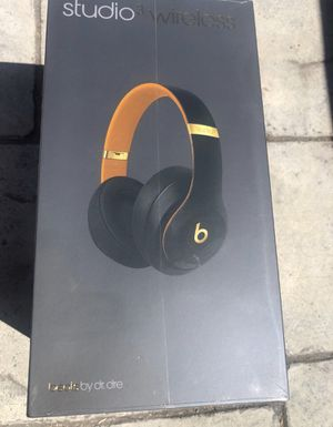 Studio beats 3 for Sale in San Jose, CA