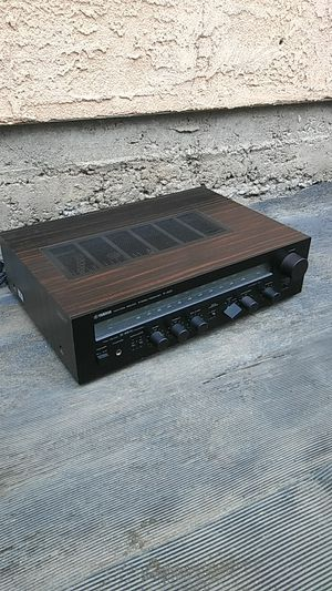 Natural sound stereo receiver r-300 Yamaha for Sale in Los Angeles, CA
