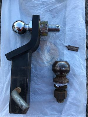 Hitch with 2 Ball Mount for Sale in Kent, WA