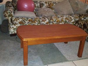 Wood center table for Sale in Fontana, CA