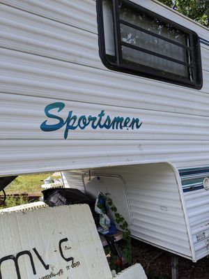 Sportsman fifth wheel camper for Sale in Manchester, NH