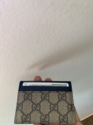 Gucci wallet for Sale in Monterey Park, CA