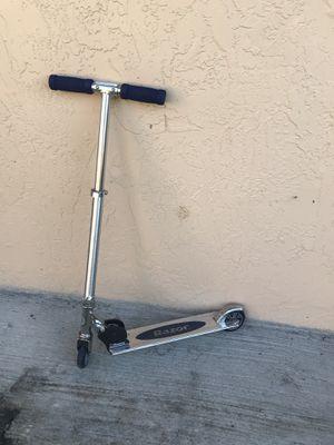 Razor scooter for Sale in Miami, FL