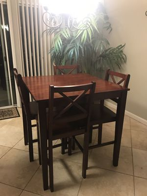 Counter height small dinette set-cherry color for Sale in Kingsburg, CA